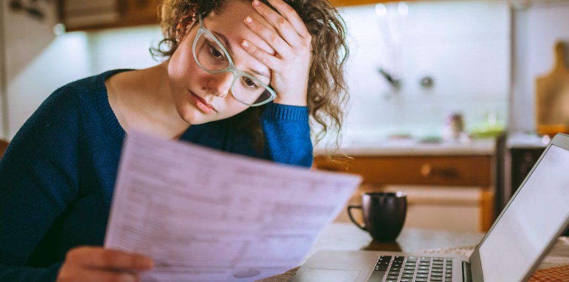 Você sabe o que fazer quando há cobrança indevida no cartão de crédito? Não? Então confira o nosso artigo e entenda como proceder nessa situação!